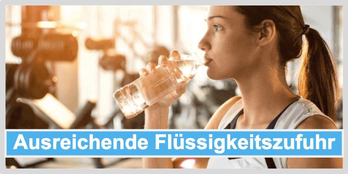 Cellulite Behandlung durch ausreichende Flüssigkeitszufuhr
